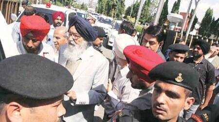 Badal bus staff 'attack' reporter with Englishdaily