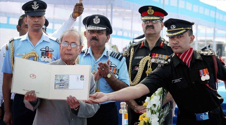 pakistan drone, presidential award, iaf presidential awards, pranab mukherjee, india news, iaf pakistan flight, iaf pakistan plane