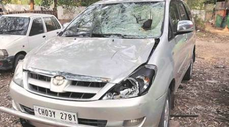Pune, fraud, car driver, duped, fake accidents, india news, indian express