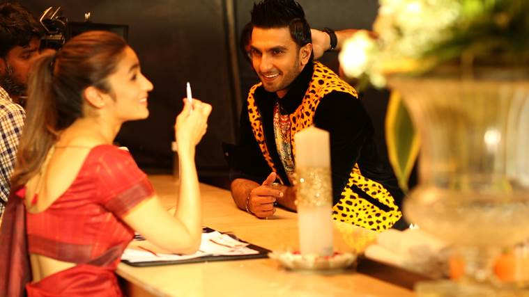 Alia Bhatt, Ranveer Singh, Alia Bhatt Ranveer Singh, Alia, RAnveer, Alia Ranveer, Alia Ranveer Mystery Project, Alia Bhatt Ranveer Singh Mystery Project, Alia Ranveer pic, Alia Ranveer Film, Alia Ranveer together, Entertainment news