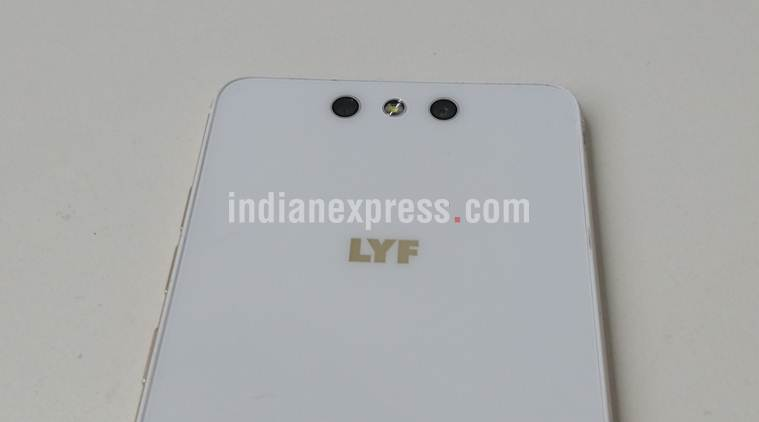 reliance lyf earth1  expressreview  nice design but the camera fails to impress
