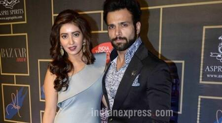 Asha Negi, Rithvik Dhanjani, Asha Negi Rithvik Engaged, Asha Negi Rithvik Engagement, Asha Rithvik engaged, Asha Rithivik Engagement, Asha Negi Rithvik Wedding, Asha Negi Rithvik Engagement Plans, Asha Negi Rithvik Wedding Plans, Entertainment news, Rithik Dhanjani Asha Negi, Rithvik Asha, Rithvik Asha Engaged, Rithvik Asha Engagement