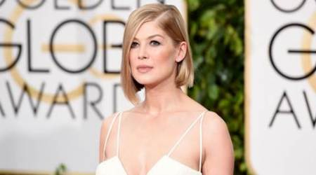 Rosamund Pike in talks to star opposite Christian Bale in 'Hostiles'