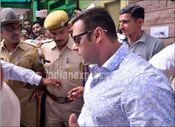 Salman khan, Arms Act Case, Salman Khan at Jodhpur Court, Salman khan Arms Act Case, SAlman News, Salman khan news, Salman Arms Act case, Salman khan pics, SAlman Khan photos