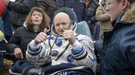 Year-in-space astronaut Scott Kelly hangs up his spacesuit, retires