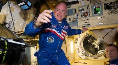 NASA astronaut Scott Kelly heads home after nearly a year inspace