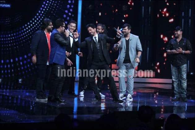Shah Rukh khan, SRK, Fan, JAbra Fan, Shah Rukh khan Fan, Shah Rukh Khan Jabra Fan, SRk Fan, SRK Jabra Fan, Sa re Ga Ma Pa 2016, Mika Singh, Sajid-Wajid, Pritam, Aditya Narayan, Shah Rukh khan pics, Shah Rukh Khan photos