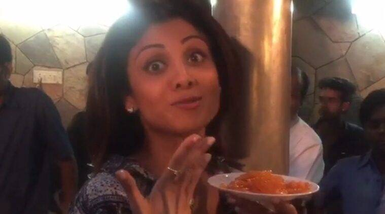 Shilpa Shetty, Shilpa Shetty video, Shilpa Shetty eat Jalebis, Shilpa Shetty eats hot Jalebis, Shilpa Shetty Insta Video, Shilpa Shetty instagram video, Shilpa Shetty Jalebi video, Shilpa Shetty Eating Jalebi, Shilpa Shetty Jalebi Eating video, Shilpa Shetty Jalebi bai, Entertainment news