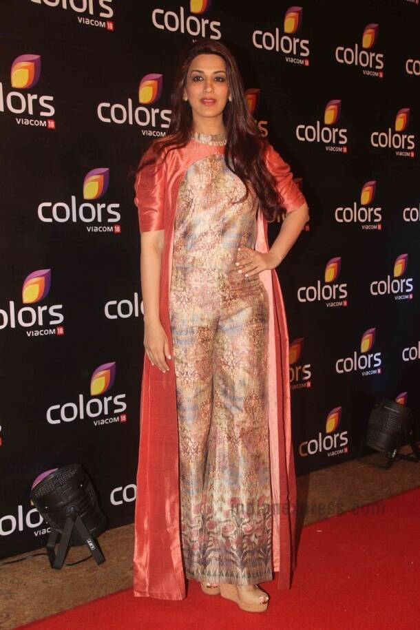 Aditi Rao Hydari, Madhuri Dixit Nene, Sonali Bendre and more: Fashion hits and misses of the week
