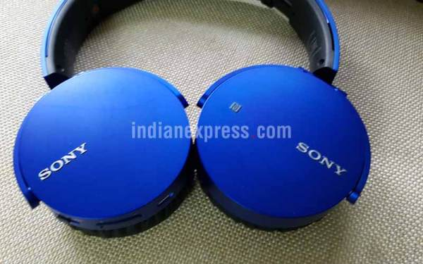 headphones, earphones, headphone review, best headphones, best 2016 earphones, best premium headphone, gadgets, cheap headphones, best headphones under Rs 10000, Brainwavz HM2, Corsair VOID RGB SE, Brainwavz Omega IEM, Jays U-JAYS, Sennheiser Momentum Wireless Over Ear, Sony MDR, technology, technology news