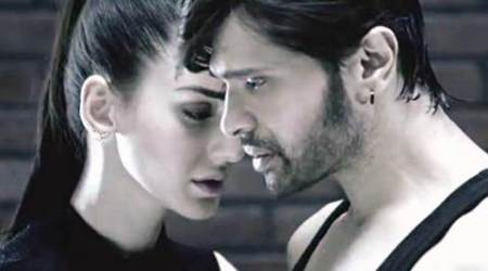 Teraa Surroor movie review, Teraa Surroor review, Himesh Reshammiya,Tera Surroor