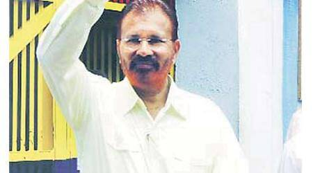 Relief for ex-IPS in Sohrabuddin case, but he still can't go home