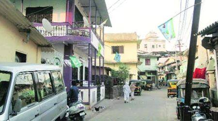 Postcard from a Mumbai village: Kasarwadavli, a village by the road, on the road tochange