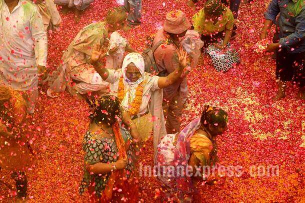 Holi, Happy Holi, Holi festival, Holi colours, Holi Celebration, Vrindawan Widows, Widows Play holi, Widows Celebrate holi, Widows holi, Widows holi Celebration, Widows holi festival, holi pics, Holi photos