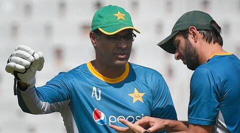 Waqar Younis begs for forgiveness on return to Pakistan; ready to quit