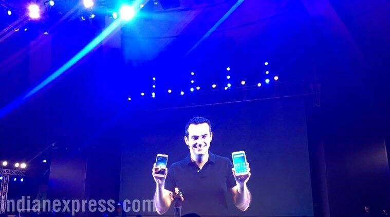 Xiaomi's Hugo Barra literally turned himself into demigod of Mi devices at the Redmi Note 3 launch (Source: Nandagopal Rajan)