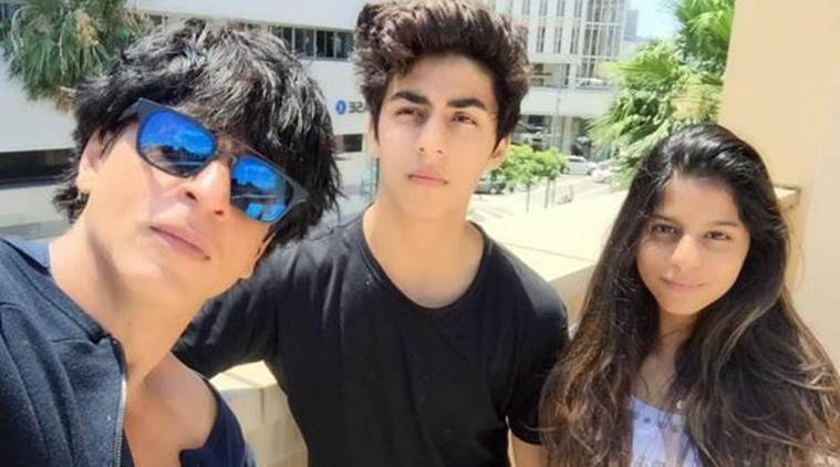Image result for srk with aryan and suhana