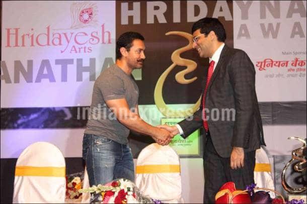 Aamir Khan, Aamir Khan PHOTOS, Vishwanathan Anand, Hridayesh Mangeshkar, Hridayesh Mangeshkar PHOTOS, Vishwanathan Anand PHOTOS, Aamir Khan CHESS, Aamir Khan Vishwanathan Anand, ENTERTAINMENT PHOTOS