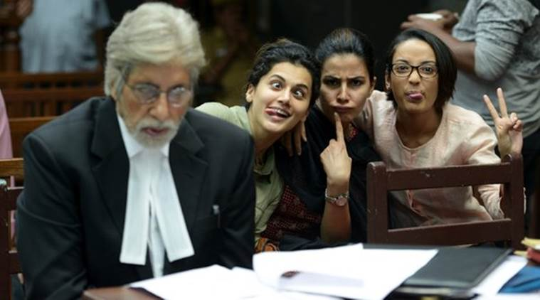 Amitabh Bachchan, Pink, Pink cast, Amitabh Bachchan photobombed, Amitabh Bachchan upcoming movie, Amitabh Bachchan movies, Amitabh Bachchan news, Pink news, Entertainment news
