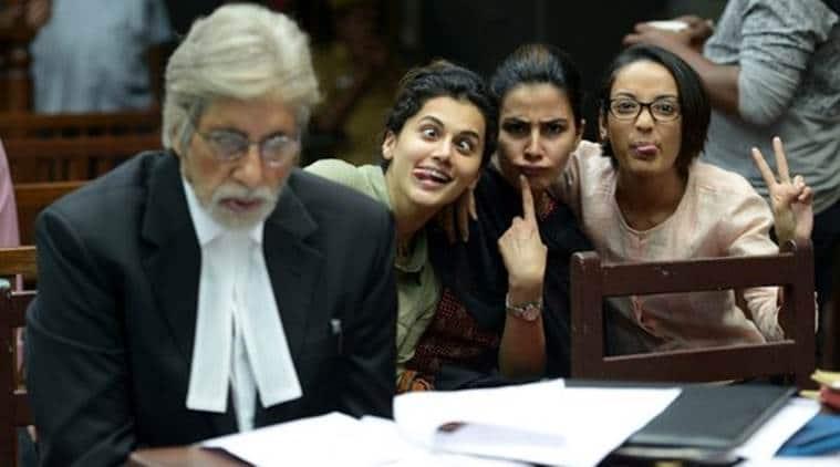 Amitabh Bachchan, Pink, Pink cast, Amitabh Bachchan photobombed, Amitabh Bachchan upcoming movie, Amitabh Bachchan movies, Amitabh Bachchan news, Pink news, Entertainment news