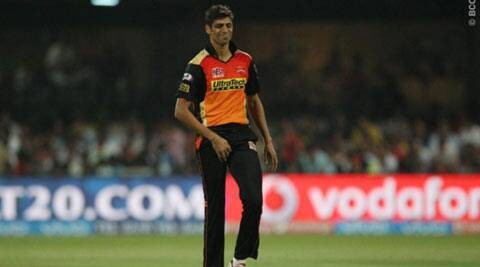 IPL 2016, RCB vs SRH: Ashish Nehra will be out for a  couple of games, says David Warner