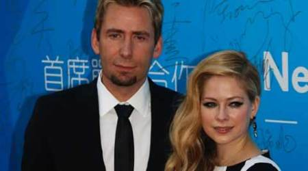 Avril Lavigne loves Chad Kroeger 'deeply'