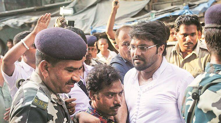 babul supriyo, TMC, trinamool congress, TMC attacks babul supriyos car, tmc activists, TMC west bengal, union minister babul supriyo, MoS industries, Durgapur Steel Thermal Power station, Asansol constituency, babul supriyo accused tmc of attacking car, stones thrown at babul supriyos car