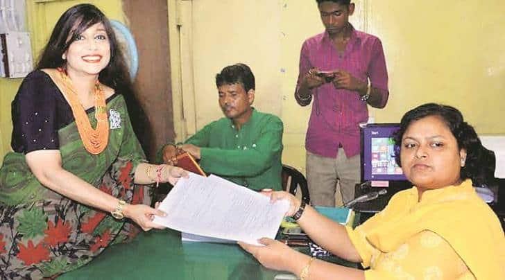 Baishali Dalmiya, daughter of late JAgmohan Dalmiya, files her nomination papers in Howrah district (PTI photo)