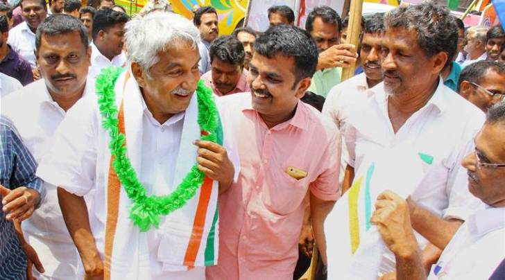kerala, kerala election, LDF, UDF, Kannur, kerala election news, kerala news, Congress, CPM, Nikesh Kumar, Pinarayi Vijayan, Achuthanandan, Oommen Chandy
