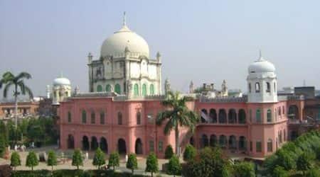 Darul Uloom must not issue fatwa on sensitive issues, says Islamic scholar Khalid RasheedFarangimahal