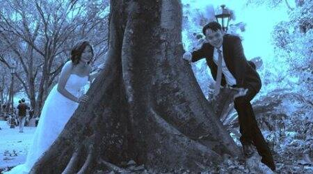 Newlyweds share disastrous wedding photo shoot; post goes viral