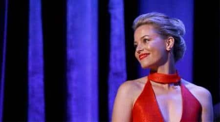 Elizabeth Banks launches female-driven comedysite