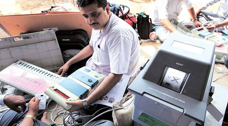 delhi municipal polls, arvind kejriwal, ajay maken, electronic voting machine, EVM, ballot paper, delhi evm use, delhi ballot paper use