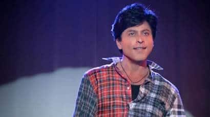 Fan, Fan review, SRK, Fan movie, Shah Rukh khan, SRK fan Review, Fan Movie Review, SRK Fan moview Review, Fan Review in pics, Fan movie review in pics, Shah Rukh Khan Fan, Shah Rukh khan Fan review, Shah Rukh Khan Fan movie review, Fan movie in pics