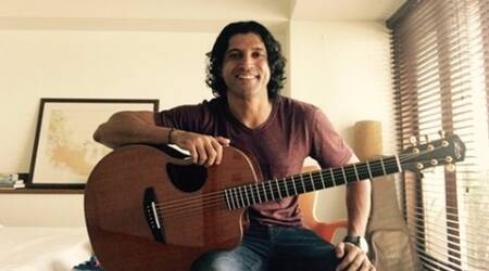 Farhan Akhtar, Farhan Akhtar Guitar, Farhan Akhtar New Guitar, Farhan Akhtar Rock On 2, Farhan Akhtar Acoustic Guitar, Farhan Rock on 2, Rock on 2, Shujaat Saudagar, Entertainment news