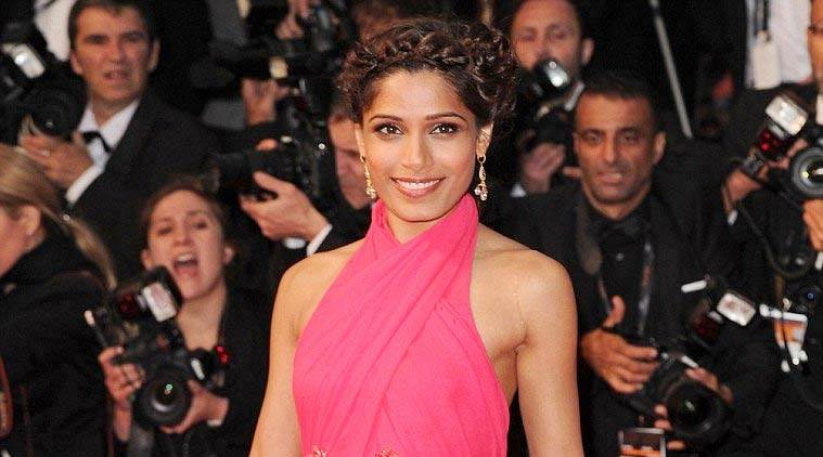 Freida Pinto loves different kinds of breads and pizzas and is crazy about seafood.