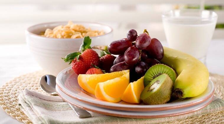 100g portion of fruit per day can reduce about one-third of death by heart related diseases in both men and women. (Photo: Thinkstock)