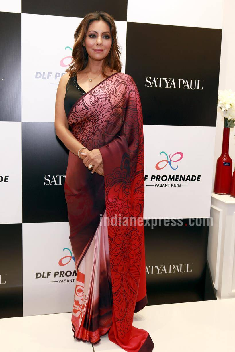 dfeb1bb740f Shah Rukh Khan s wife Gauri unveils sari collection in New Delhi ...
