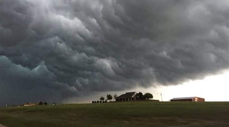 thunderstorm, hail thunderstorm, US thunderstorm, US hailstorm, thunderstorm hail US, US hail thunderstorm, tornado US, tornado Kansas, US tornado, world news