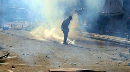 Kashmir: Locals protest in Batamaloo following rumour of civiliandeath