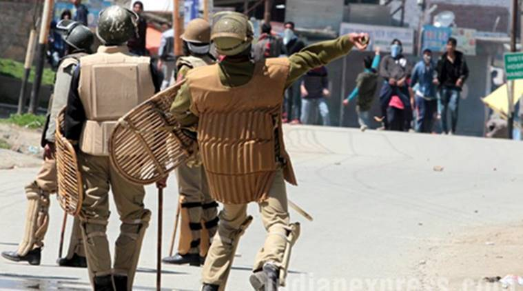 Handwara, Handwara clashes, Handwara violence, Handwara bunker broken, Kupwara, Kupwara violence, Kashmir violence, Kashmir valley, Kashmir news, Mehbooba Mufti, India news, indian express