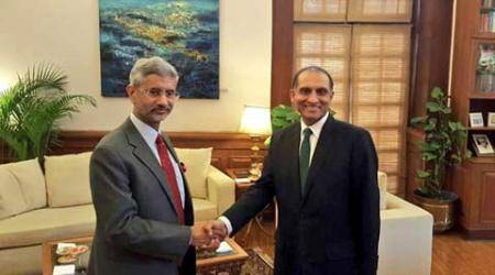 India, Pakistan agree to remain in touch: Foreign Secys break the ice, remain frosty