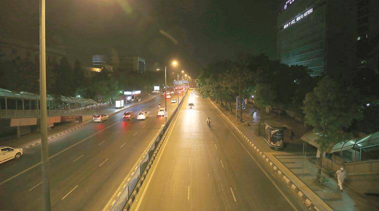 At 7pm a view of empty roads at ITO on the day one of Odd-Even phase II, in New Delhi on April 15th 2016. Express photo by Ravi Kanojia.