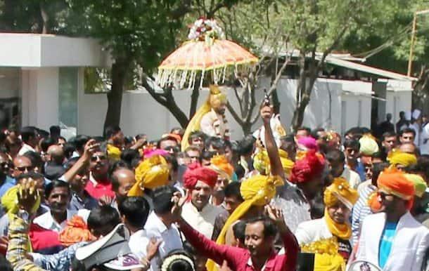 ravindra jadeja, ravindra jadeja marriage, ravindra jadeja wife, ravindra jadeja wedding, ravindra jadeja wedding photos, ravindra jadeja marriage photos, jadeja wedding photos, jadeja marriage photos, cricket