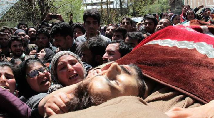People carrying the body of Nayeem, killed in Army and police firing in Handwara. (Express Photo by Shuaib Masoodi)