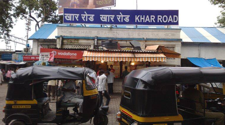 Khar Road Station in Mumbai