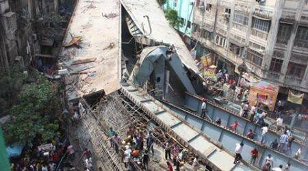 Kolkata, kolkata flyover collapse, flyover collapse, vivekananda flyover collapse, bridge collapse, kolkata under construction bridge, under construction bridge collapse, kolkata under construction bridge collapse, TMC, BJP, kolkata news, west bengal news, india news, indian express