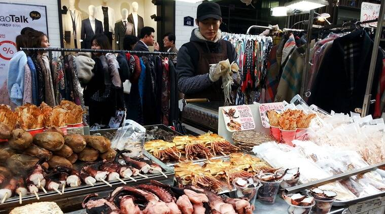 A street-food vendor at Myeungdong market. (Photo: Shruti Chakraborty)