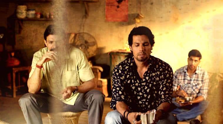 Laal Rang, Laal Rang review, Laal Rang movie review, Randeep hooda, Laal Rang film review, Laal Rang ratings, Laal rang cast, movie review of Laal Rang, Randeep Hooda Laal Rang, Akshay Oberoi, Pia Bajpai, Rajniesh Duggal, Entertainment news