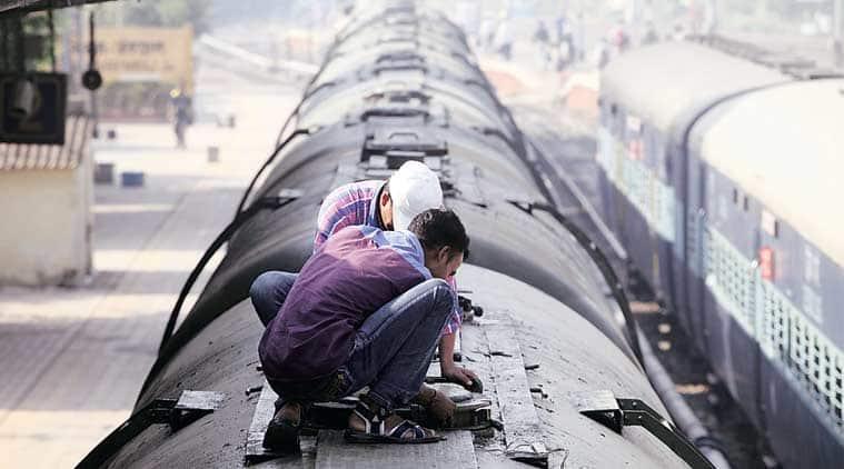 """Marathwada, Marathwada crisis, water train, water train latur, latur, latur water train, water train maharashtra, maharashtra water train, maharashtra news, india news"""""""